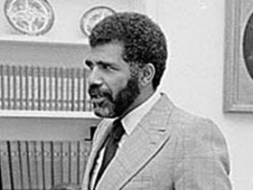 Ed Bradley, photo by White House Photographer / photo courtesy of National Archives: Carter White House Photographs Collection. Online Resource.