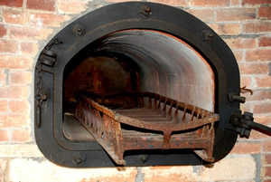Furnace with platform for corpse