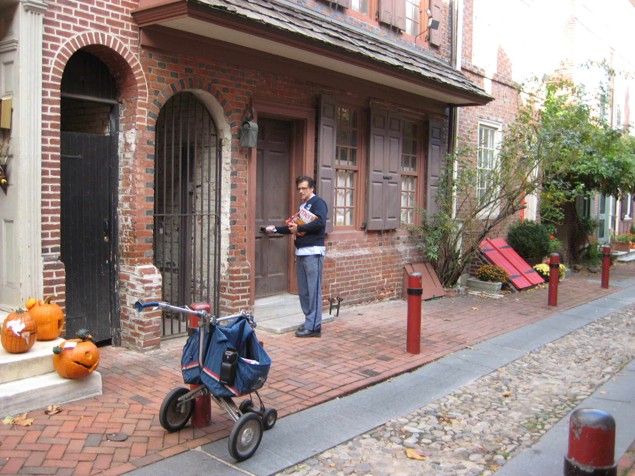 Postal Carrier on Elfreth's Alley