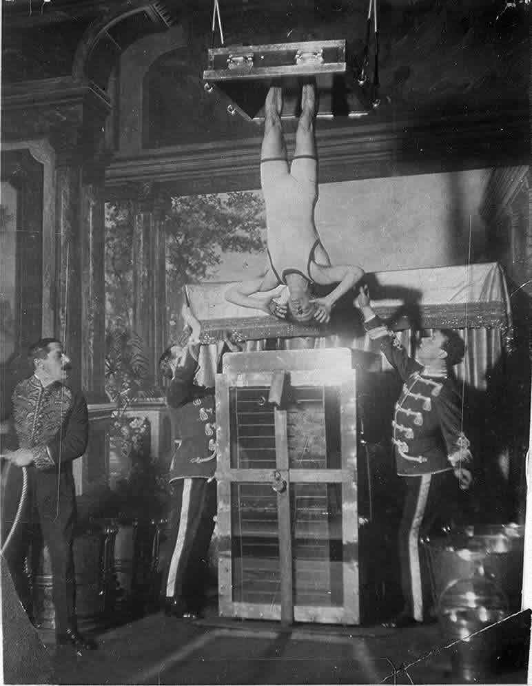 Houdini set to perform the Water Torture Illusion