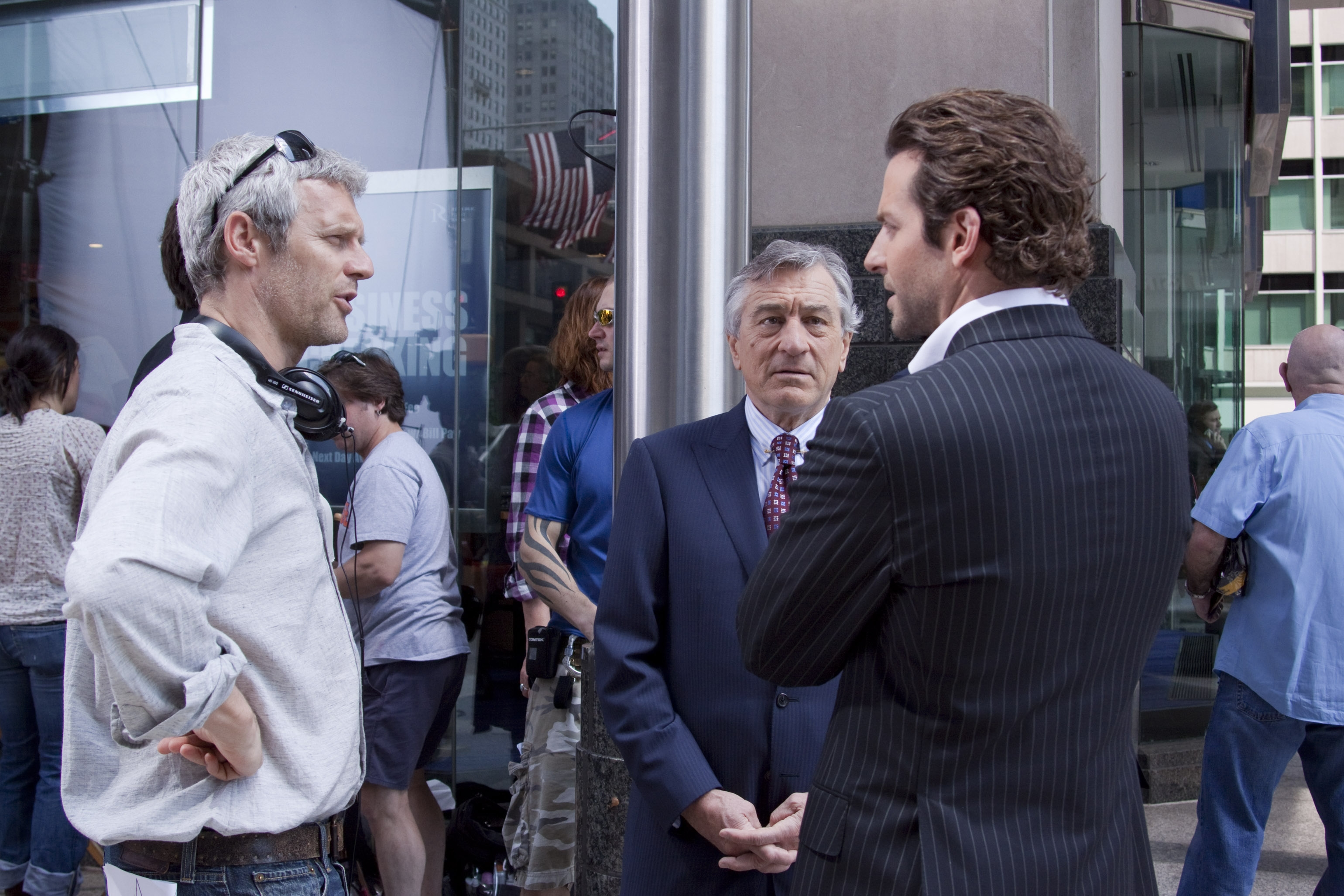Neil Burger talking to Robert DeNiro and Bradley Cooper